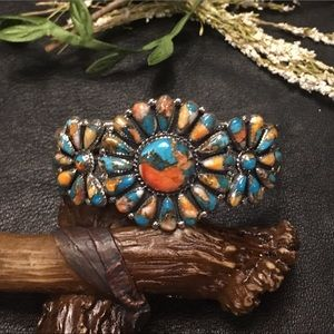 🌹NWT Sterling/spiny oyster tribal flower cuff